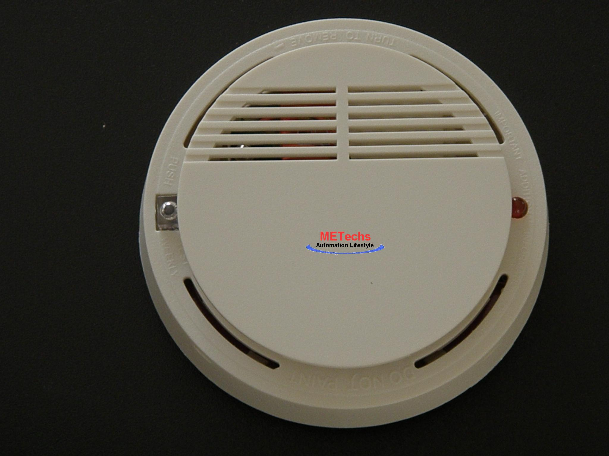 Wireless smoke detector or alarm - Click Image to Close